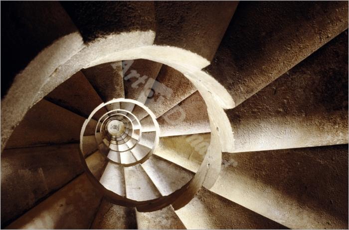 Sagrada Familia, (Gaudí), escalera en caracol de torres (vista cenital) - Album,